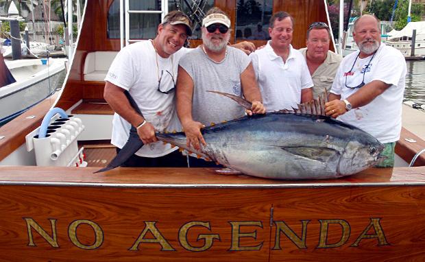 "Lorry Lichtenstein, Captain Kurt, and the crew of ""No Agenda"" in Mexico"
